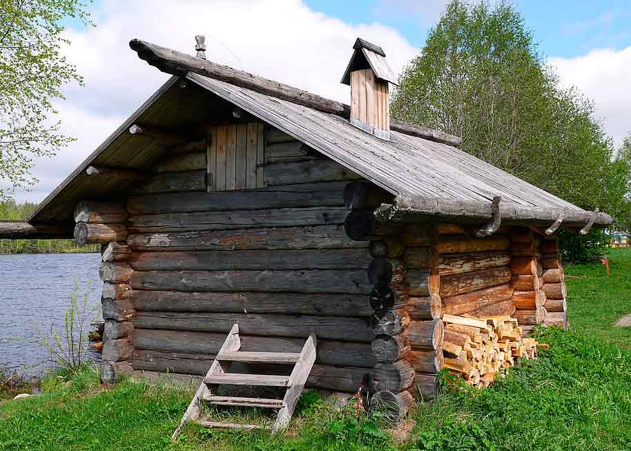 Traditional Northern Russia banya in Mandrogy open air museum